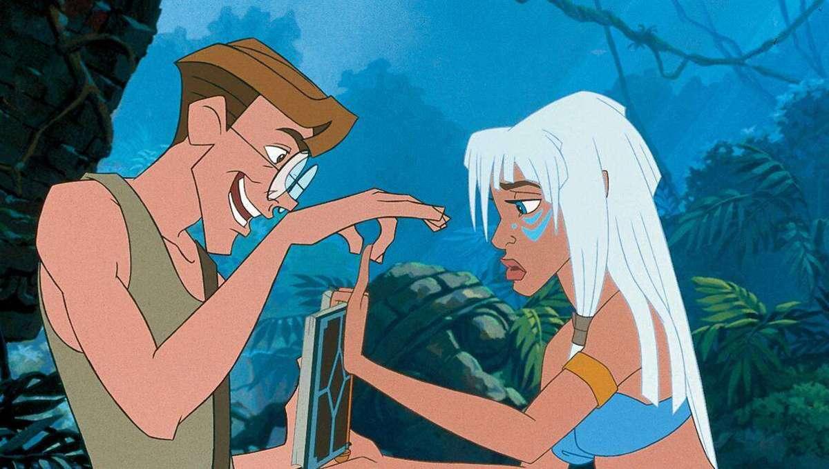 Huvudpersonerna undersöker en bok i Atlantis