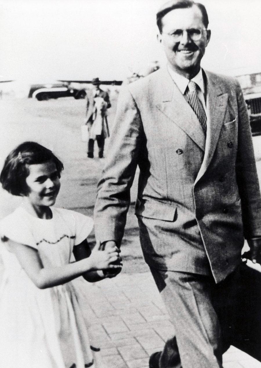 Silvia med sin pappa.