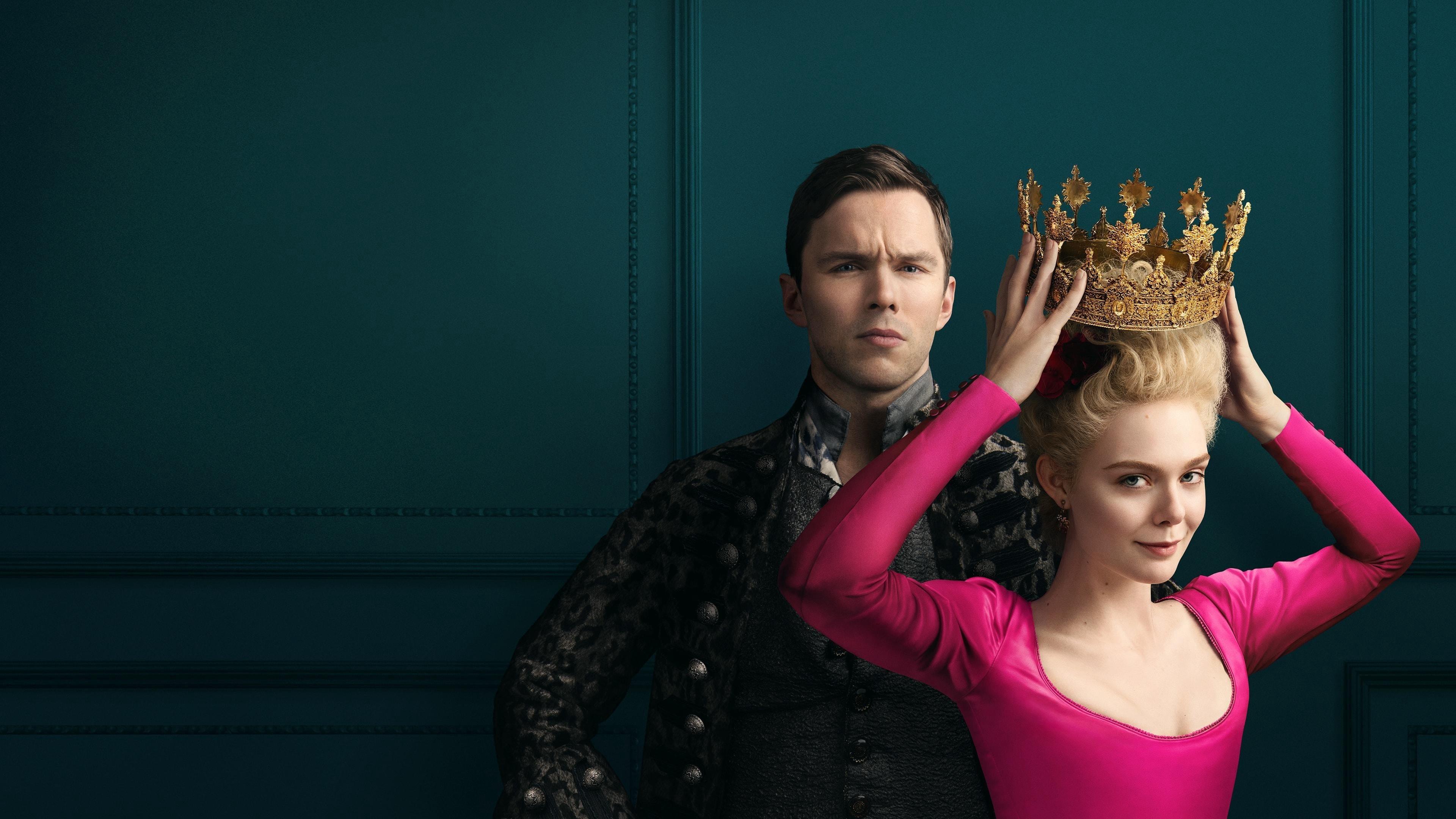 """Nicholas Hoult och Elle Fanning i """"The Great""""."""