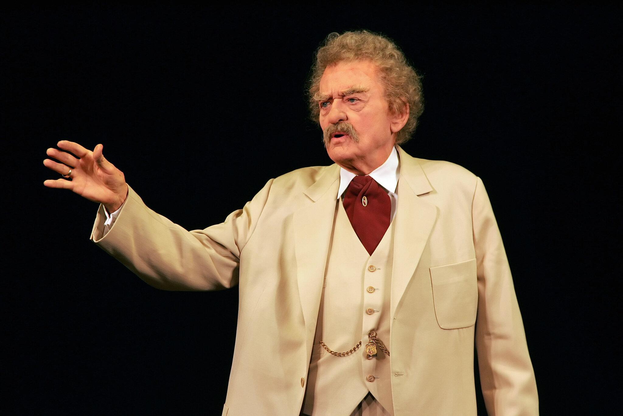 Hal Holbrook som Mark Twain.