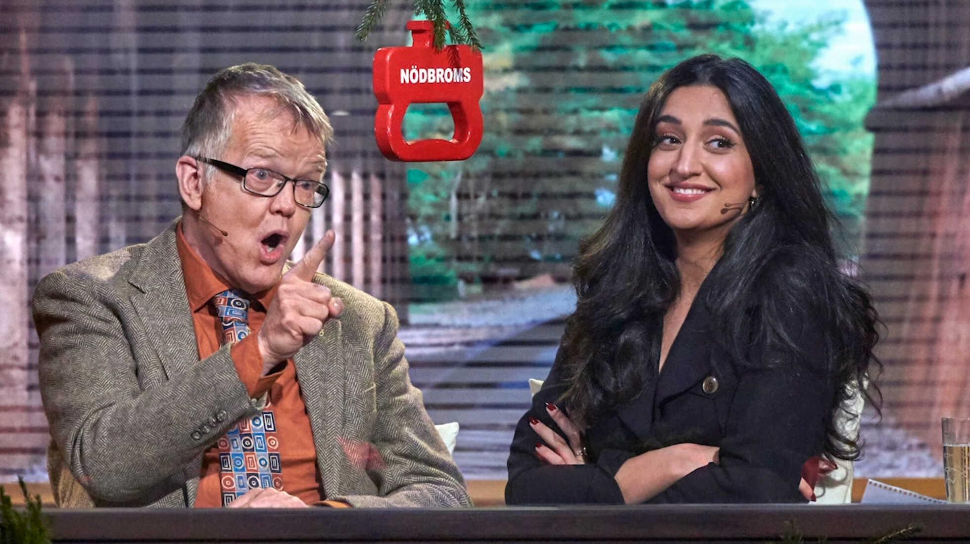"""Gunnar Wetterberg och Parisa Amiri i """"På Spåret"""". Foto: SVT."""