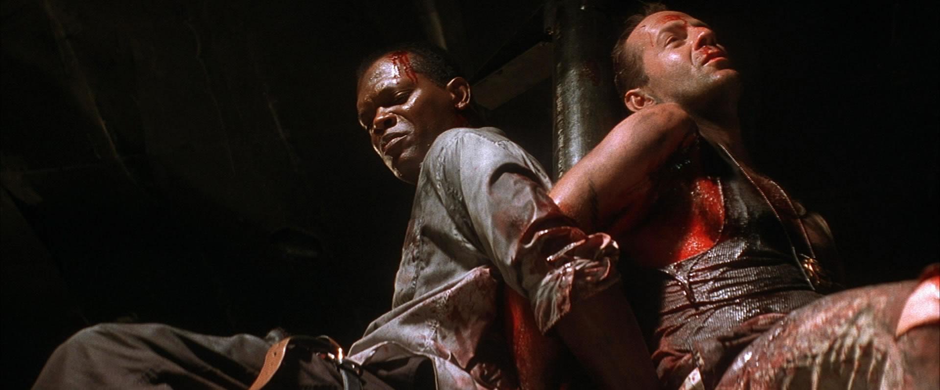 Knivig situation med bakbundna hjältar i Die Hard-uppföljaren