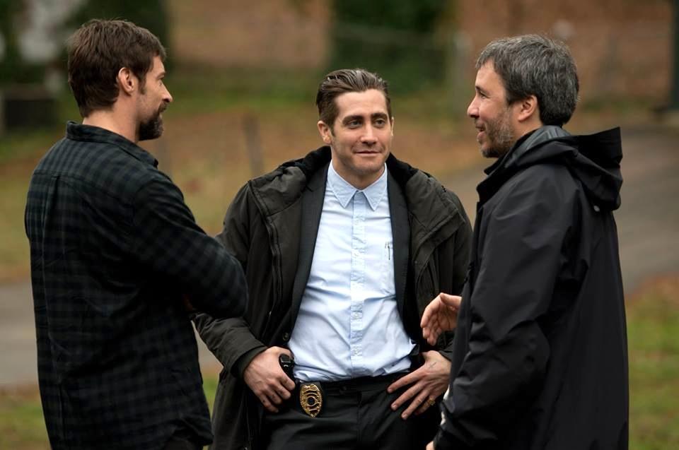 Diskussioner mellan tre av stjärnorna under inspelningen av Prisoners