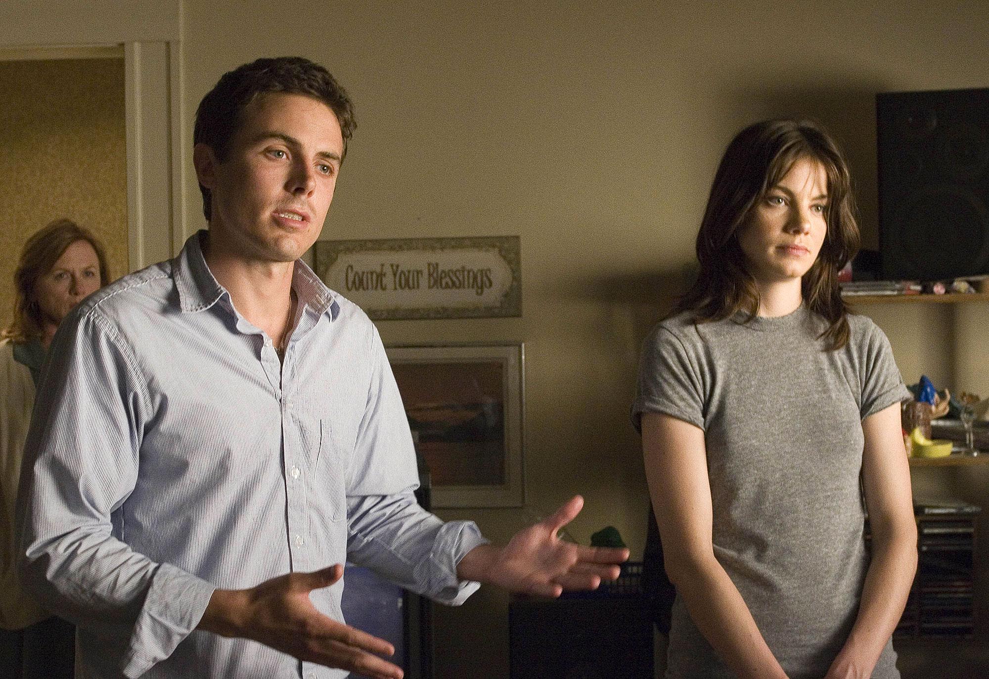 I brist på stora roller gjorde Affleck hyllad regidebut med den här deckaren där lillebrorsan Casey har huvudrollen.