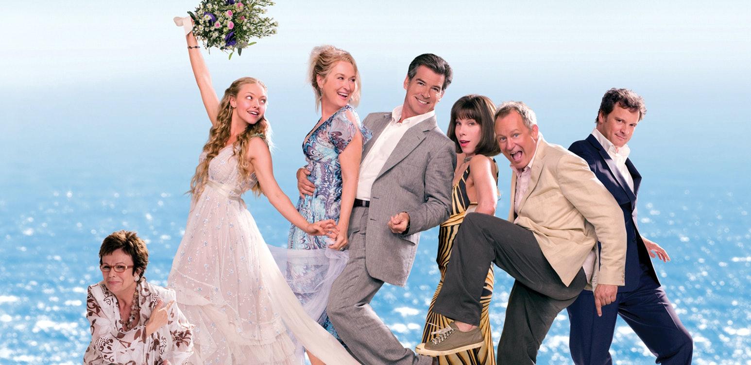 """Se stjärnspäckade """"Mamma Mia!"""" med Amanda Seyfried, Meryl Streep, Stellan Skarsgård, Pierce Brosnan och flera."""